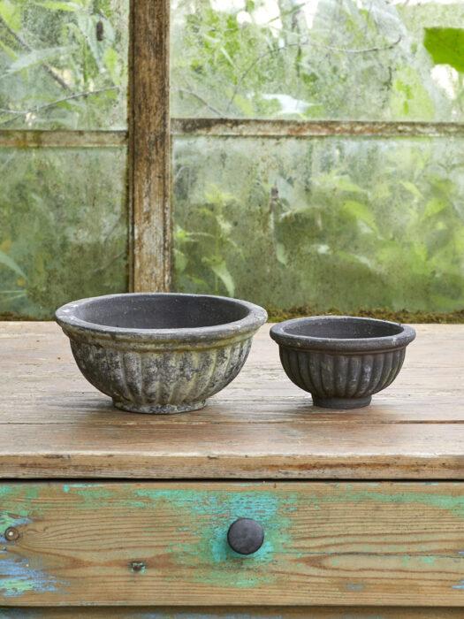 10109055-S2_A B.Green vintage Plant pot