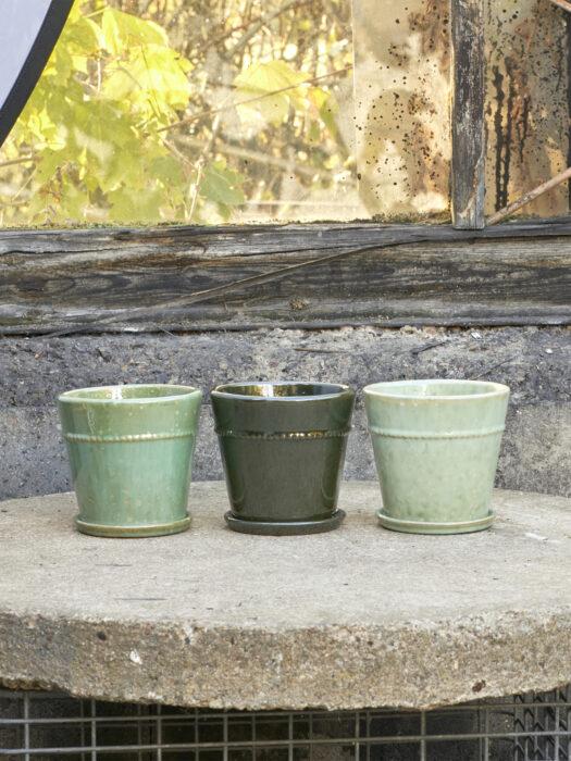 25139879-14_A B. Green Plant pot
