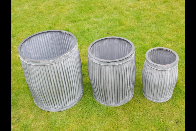 Set of 3 Galvanised Tubs SN- 3922