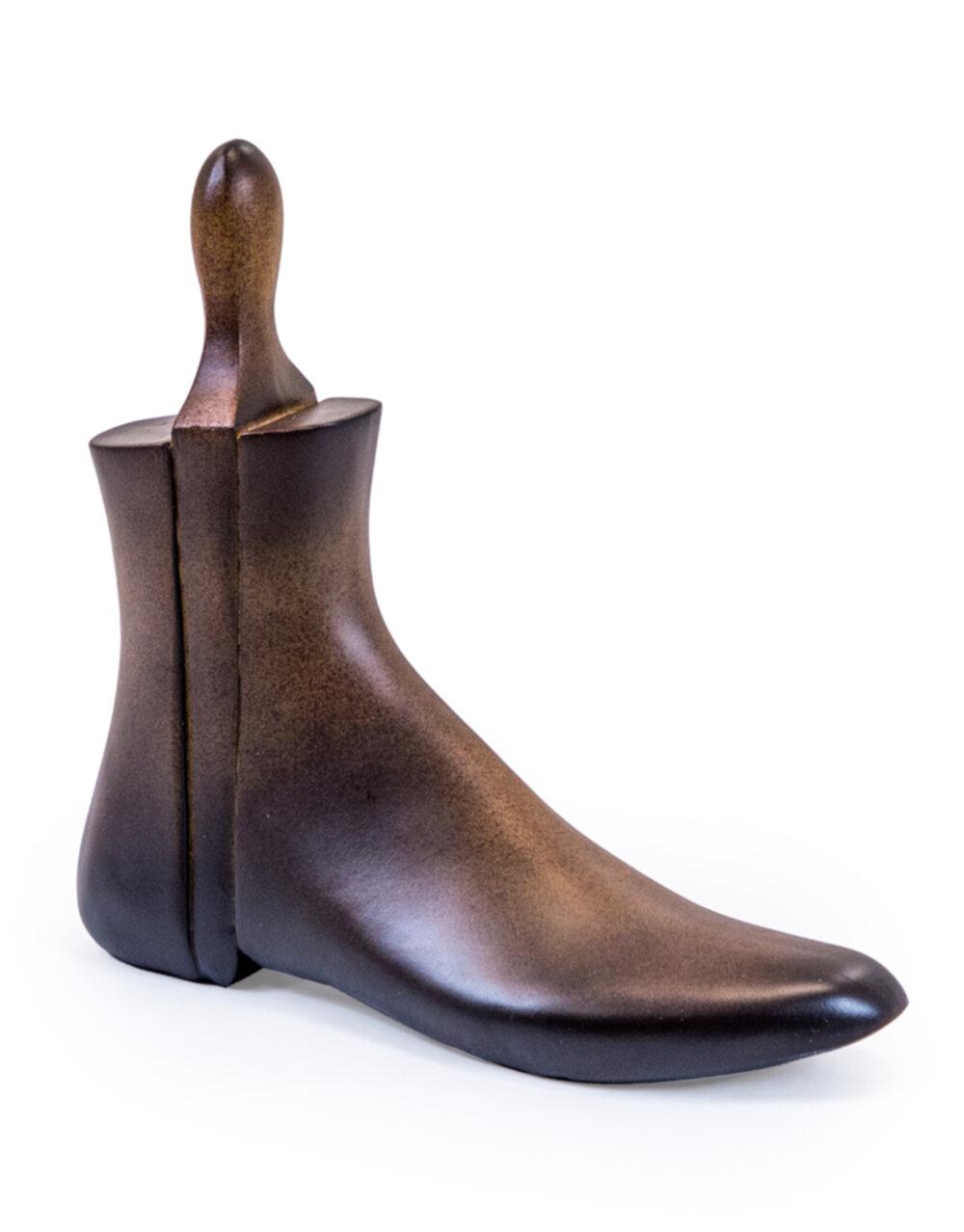 Antiqued Wooden Effect Shoe Mould Ornament